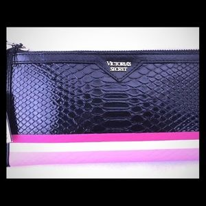 Victoria's Secret Clutch Purse Wallet New VS (DQ)